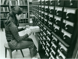 student-using-the-card-catalog-1971